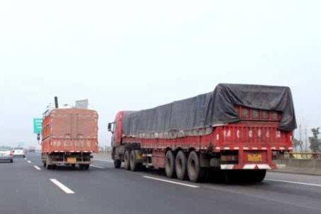潍坊:集中整治货车、渣土车等违法行为为期3个月