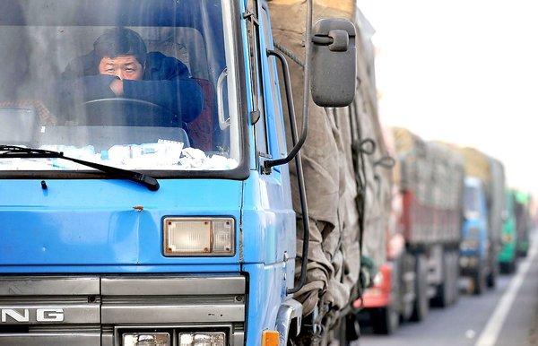 """每周一""""扒"""":三年后,近20万货车司机都将失业!"""