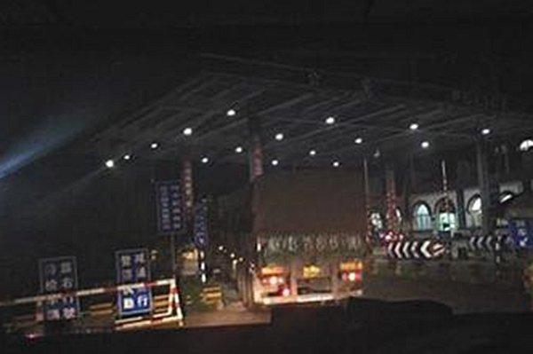 黑龙江-河北跨省保车一趟花两千保车费超载50吨仍畅行