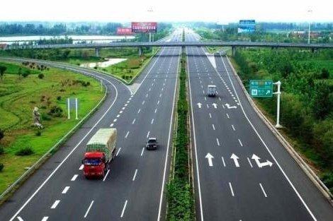 """湖南实行高速公路""""六个一律""""断然举措严厉打击交通违法"""
