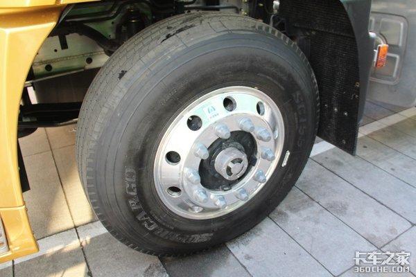 车架采用铝合金材质6X4牵引车自重低至7.5吨这款华菱H7你心动吗?