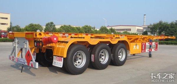大箱+大立柱+耐高温钢管大运危险品运输半挂车