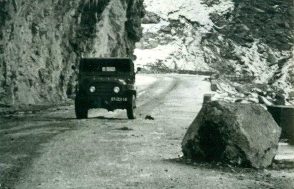 """中国公路40年往事:从""""睛天一身灰,雨天一身泥""""到高速里程世界第一"""
