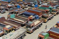 印度卡车司机罢工 导致运力严重不足