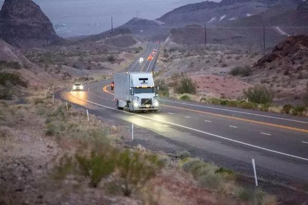 Uber放弃无人驾驶卡车业务的启示