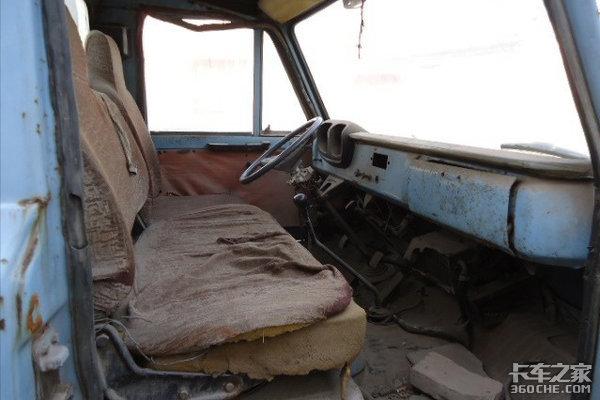 这些老车别说开过了,见过的人都不多,80年代风靡大江南北的卡车