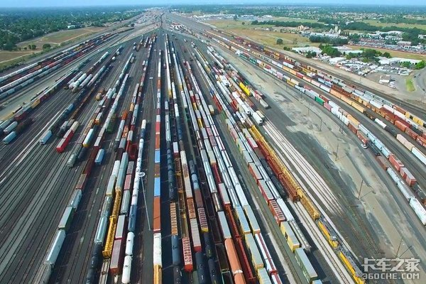 昆楚大铁路客货分线滇西货运量大幅增加