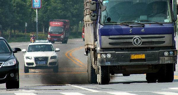 治污战为何瞄准柴油货车?保有量小却成机动车主要污染源