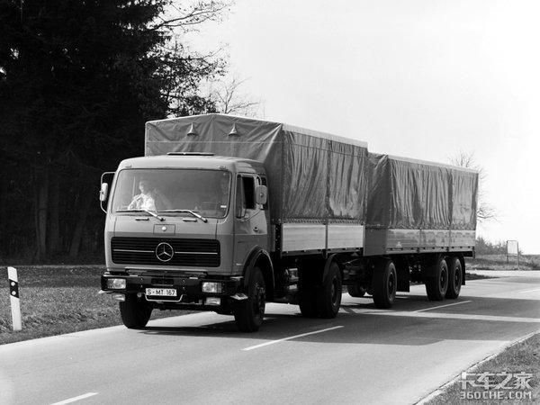 北奔引进奔驰NG80的年代,德国同款车已经有自动挡了