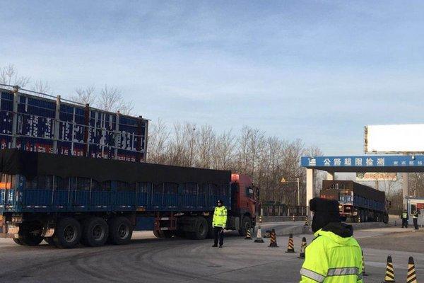 江苏丹徒部分路段'禁货'有需要可办通行证,分流管控货运车辆