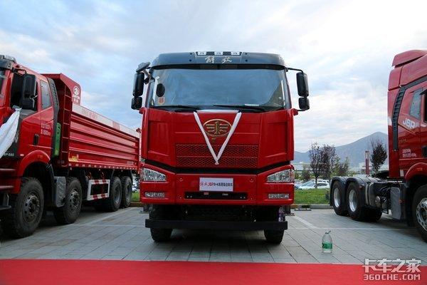 抢占制高点!解放卡车征战高原,助力西藏运输新发展