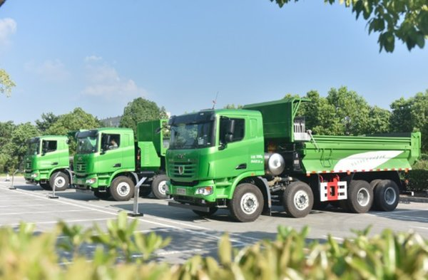 联合卡车智能渣土车研讨会现场订60辆!