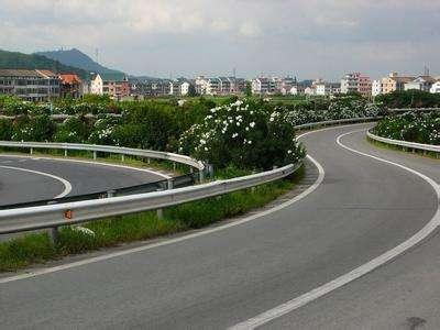 货车超载还乱变道记者暗访浙江杭州绕城高速