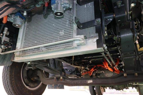 顺丰也用的电动轻卡1度电能跑3公里