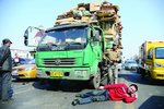 敲诈勒索货车司机案:4人被判有期徒刑
