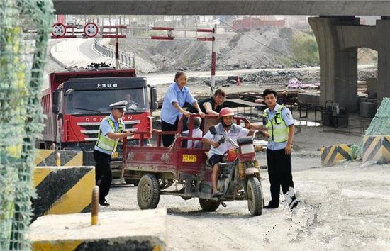 吸取重大事故教训张家界开展农村道路交通安全大整治