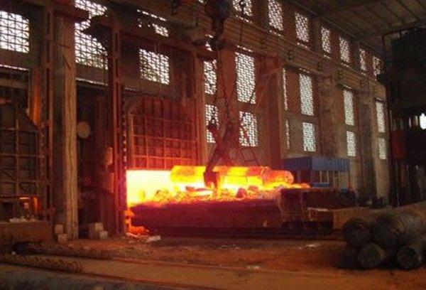 镁合金挂车车厢自重2.5吨比传统车厢轻3吨