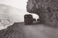 滇缅公路通车80周年:英雄之路的重生