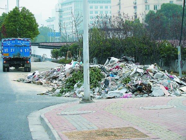 扬州9月起集中整治偷倒乱倒建筑垃圾运输车辆列入重点监管