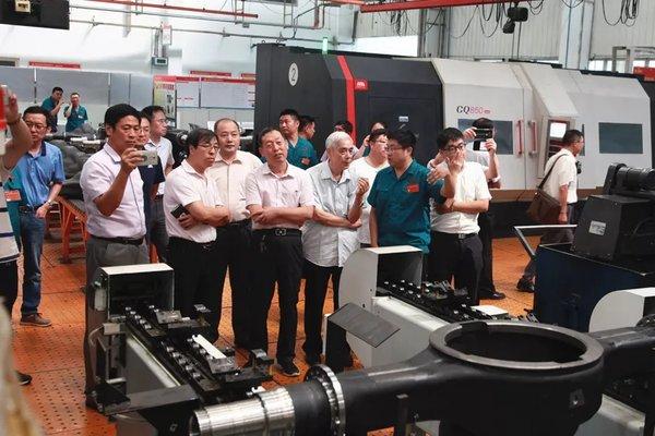 """中国重汽""""重卡桥壳柔性加工工艺研究及生产线""""课题通过技术验收"""