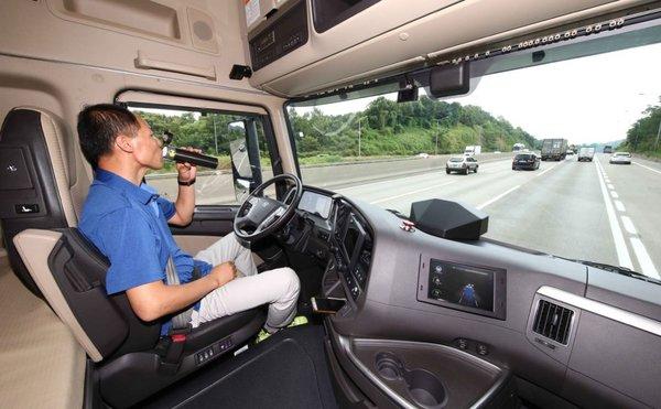 自动驾驶挑战高速公路现代XCIENT表现堪称完美