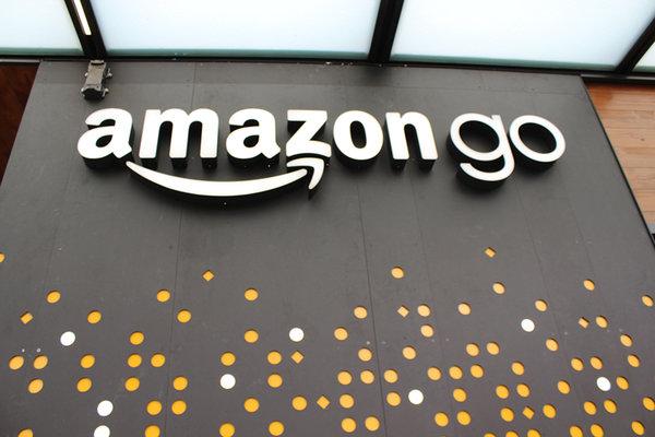 订购2万辆奔驰货车组建车队亚马逊挑战UPS和FedEx!