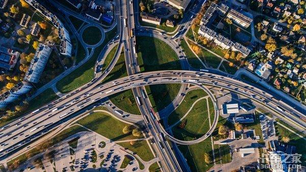 未来智能交通什么样?汉诺威车展看博世如何布局