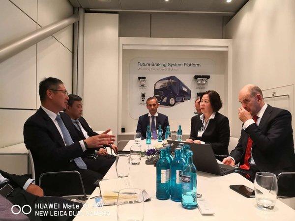 汉诺威车展新闻速递一汽解放与威伯科合资成立汽车控制系统有限公司