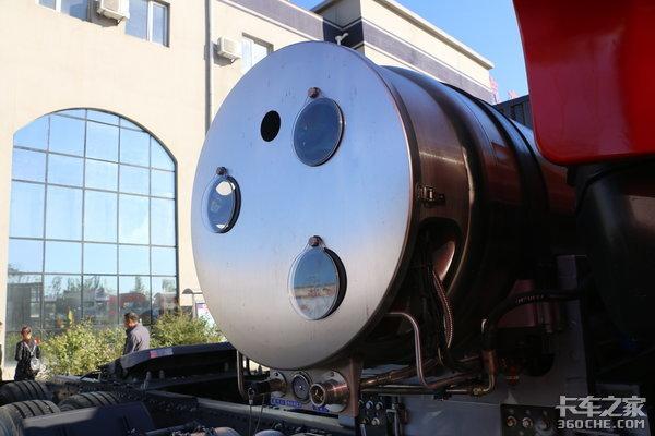 斯太尔+智能通+12名车手重汽告诉你25.6KG/100km低气耗如何诞生