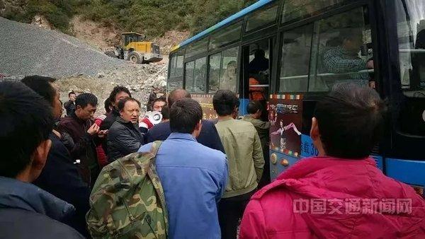 卡友注意!西藏部分道路被淹!途经巴塘县进出藏区车辆请绕行G317线
