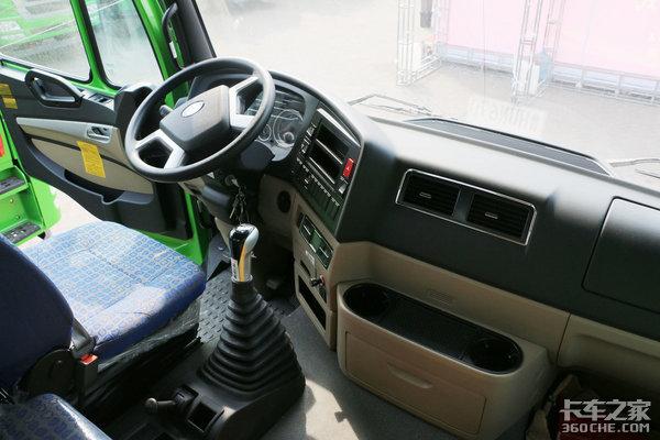 不仅有奔驰驾驶室,更有完善的服务100台豪瀚自卸车是这样卖出去的