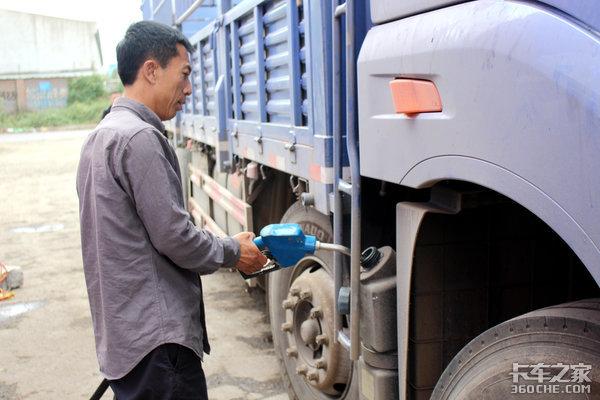 不用再为尿素桶付钱可兰素启用素溶液专用罐车运输降低使用成本