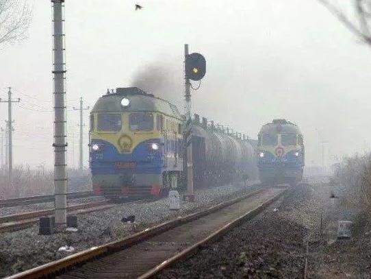 公转铁大赢家:中铁总完成全年任务75%