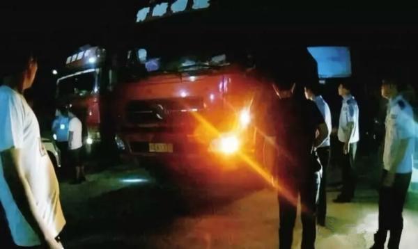 震惊!司机串通收费员偷逃通行费超百万30名涉案犯罪嫌疑人被抓