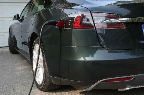 新能源汽车事故频发 沃特玛电池被点名