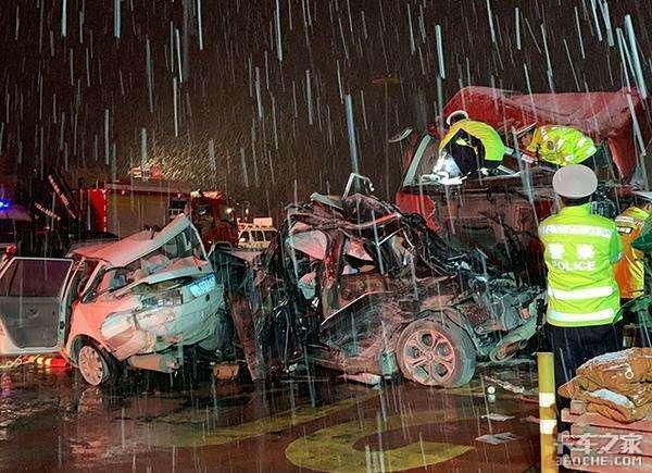 面对高速公路长下坡死亡路段,看看老司机是如何保命的