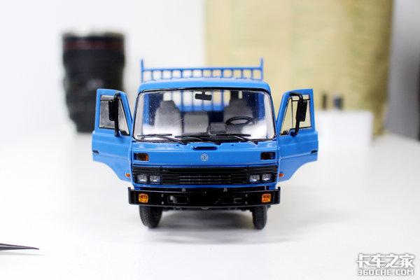 还记得当年经典的蓝头康明斯吗?这台东风EQ153车模勾起太多回忆