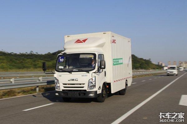 政协委员提议:明确禁售燃油车时间表促新能源车发展