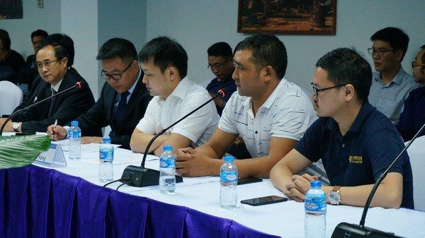 走出国门赢发展,时骏汽车参展2018老挝国际商品交易会