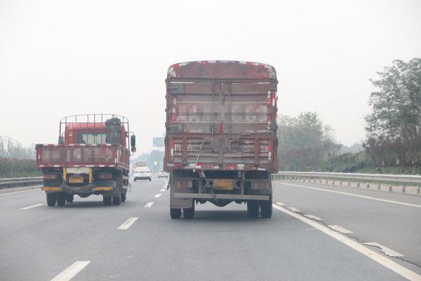 湖北5千余辆货车进入灰名单禁止驶入高速,注意了!