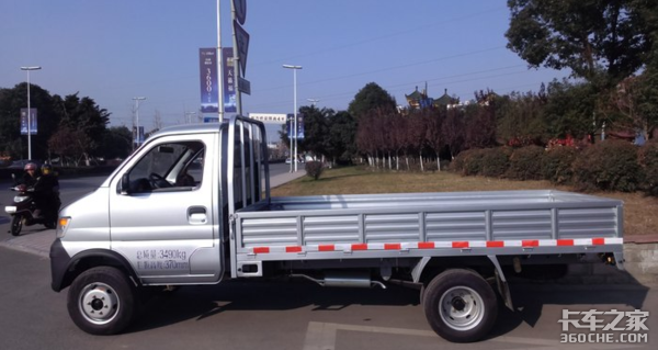 被超低的油耗折服这个90后司机买了2台长安神骐T20小卡