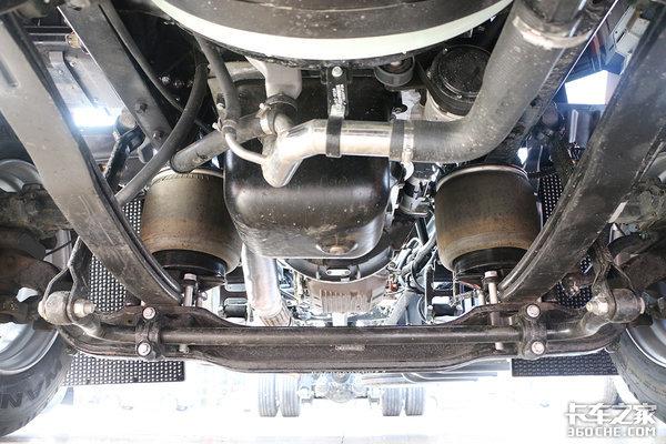 """配8AT、气囊悬挂!这台格尔发K5载货车可""""甩挂+甩箱"""""""