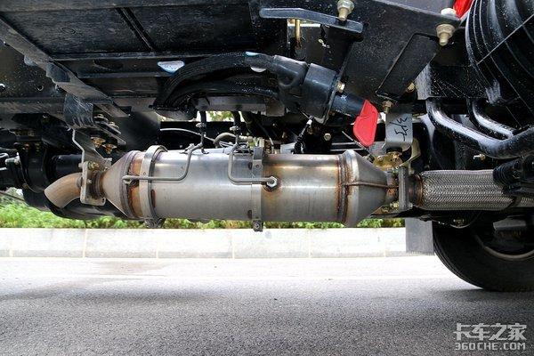 4万公里长换油不烧尿素解放J6F升级了