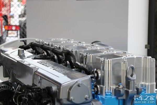 写完这篇文章我去开车了因为我发现台'混动'发动机它能节省20%气耗