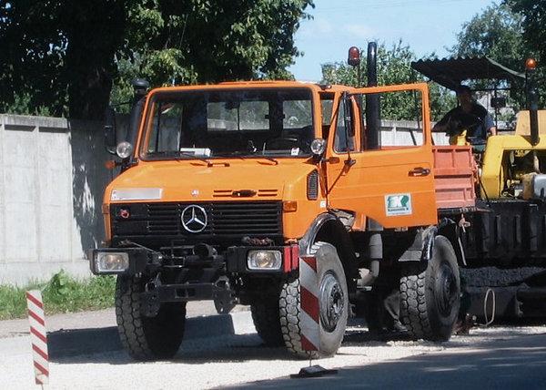 从农用车到'万用机具',二战后德国制造的乌尼莫克有多神?
