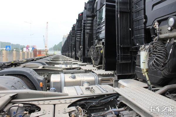 漳州长运物流首批20台汕德卡交车完成