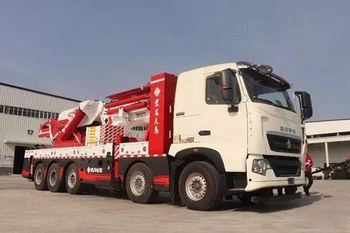 卡车晚报:新宏昌发布450吨汽车起重机