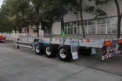 自重3.8吨 华骏这款45英尺骨架车逆天啊