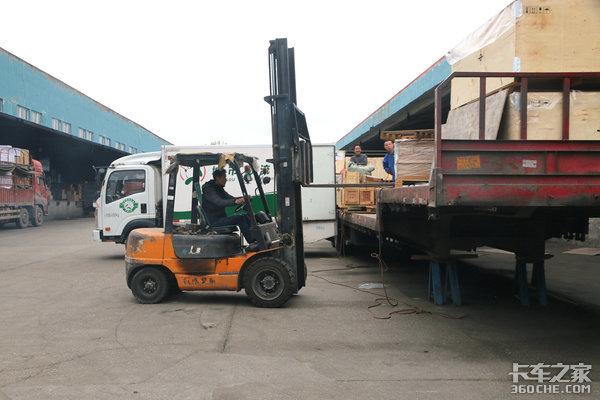 卡车卸货前也有这么多门道,多学一招免得和货主扯皮
