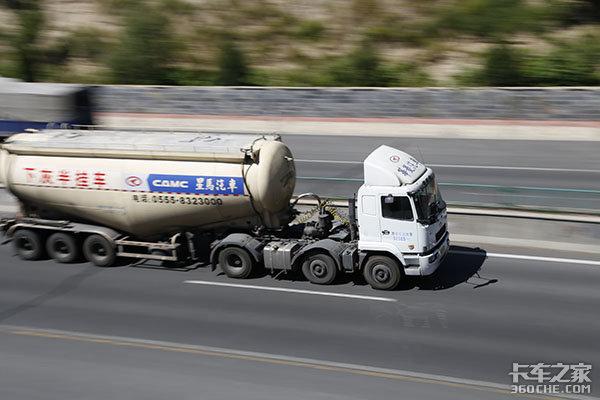 运价低、油价高、车多货少,卡车散户的出路在哪里?